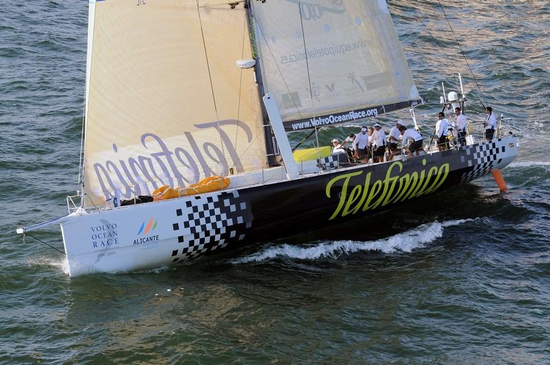 Telefonica Black Leg 6 Start (Photo By Dave Kneale / Volvo Ocean Race)