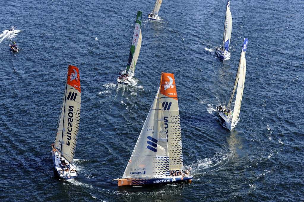 Fleet Rounding Mark (Photo by Rick Tomlinson / Volvo Ocean Race)