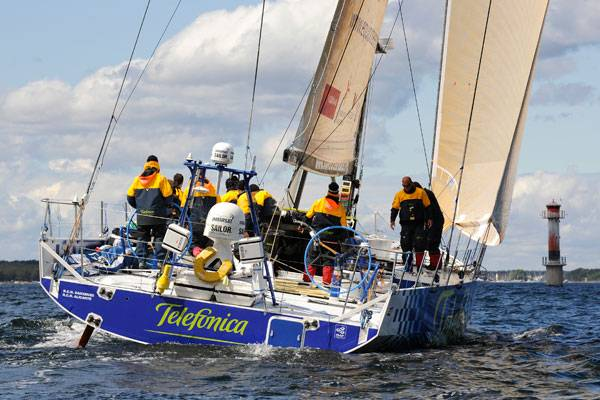 Telefonica Blue Finishes Leg 9 (Photo by Rick Tomlinson / Volvo Ocean Race))