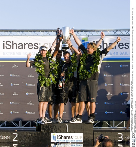 Misarah Crew With Trophy  (Photo by Th.Martinez/Sea&Co/OCEvents)