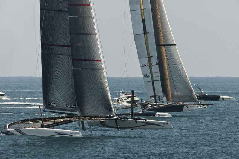 Alinghi and BMW Oracle In Race 2 (Photo by Gilles Martin-Raget/BMW Oracle Racing)