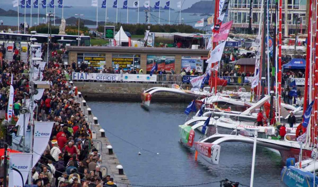 Crowds are filling the wharf as thing start hotting up (Photo by Coin Merry)
