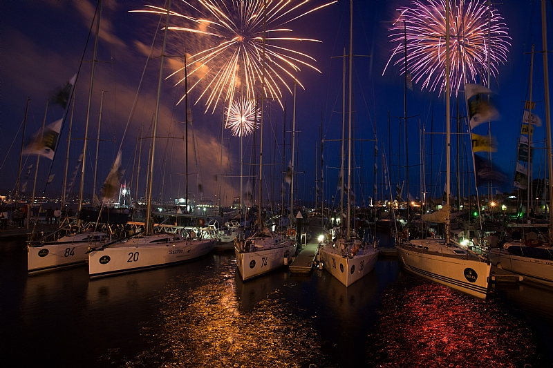 Ringing In The New Year At The Finish In Hobart (Photo by Rolex / Daniel Forster )