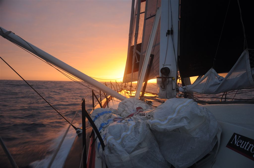 Sunset from Neutrogena (Photo by Neutrogena / Barcelona World Race)