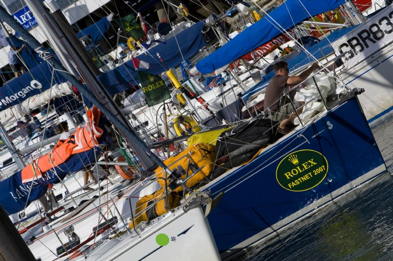 Dock Preparations At Cowes at 2007 Fastnet (Photo by Rolex / Carlo Borlenghi )