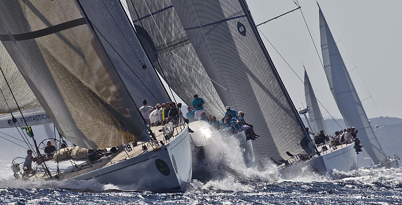 FANTASTICAAAANIENE Swan 100 (Photo by Rolex / Carlo Borlenghi)