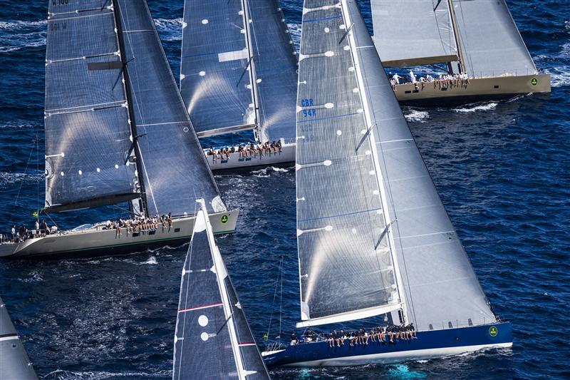 Wally Fleet Start 2011 (Photo by Rolex / Carlo Borlenghi)