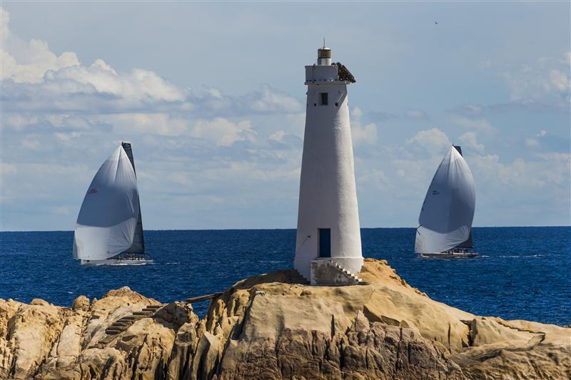 SHOCKWAVE (USA) AND RÁN (GBR), APPROACH THE LIGHTHOUSE AT MONACI (Photo by Rolex / Carlo Borlenghi)