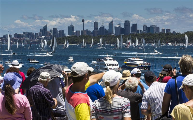 Crowds at Sydney Hobaret 2013 (Photo by Rolex / Carlo Borlenghi)