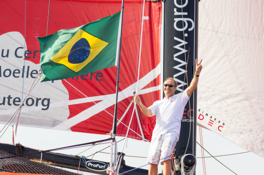 Francis Joyon Arrives is Rio , passing Sugar Loaf , to set the bar for the Friendship route (Photo © ANDRE FONTES /IDEC )