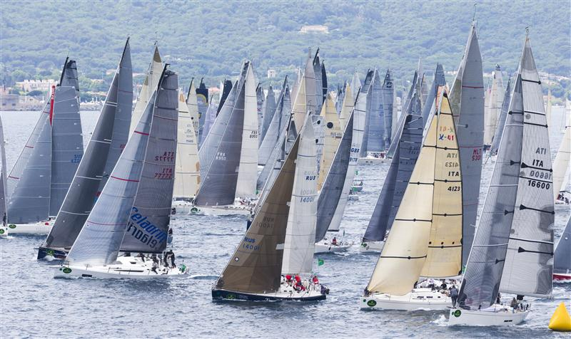 A Sea of Sails in Saint-Tropez (Photo by Rolex/Carlo Borlenghi)