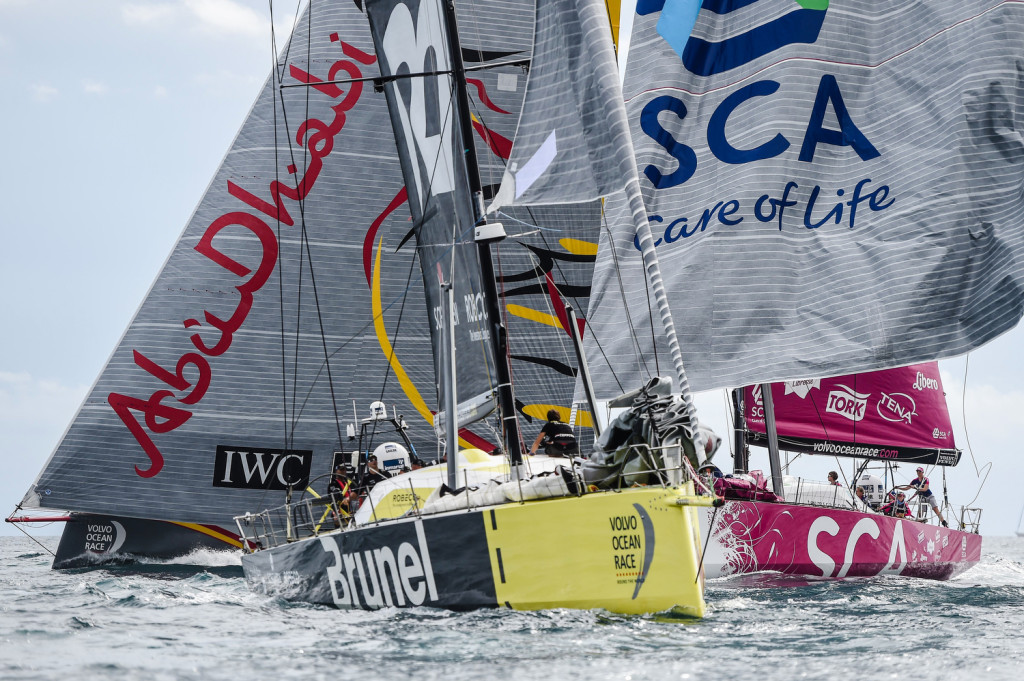 Brunel leadt the fleet out of Alicante at the Start of the Volvo Ocean Race 2014-15