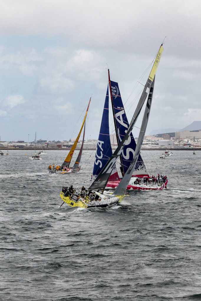 November 15, 2014. The fleet during the  In-Port race in Cape Town. (Photo © Ainhoa Sanchez/Volvo Ocean Race)