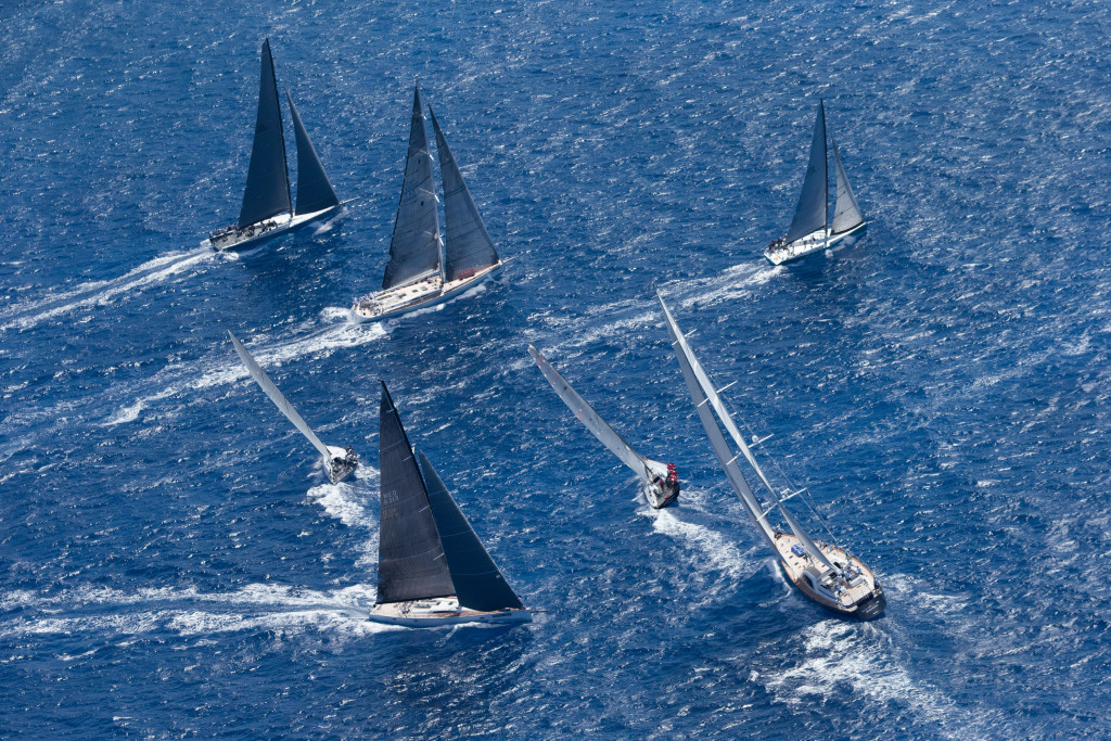 Fleet in practice (Photo  © © Jouany Christophe)