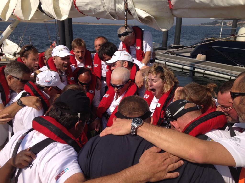 IchorCoal team resumes racing after saying a prayer for lost crewmate. (Photo © OnEdition)