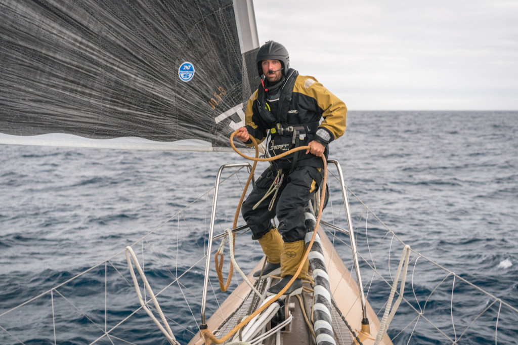 pindrift 2, Trophée Jules Verne, 2015 Sébastien Marsset manoeuvres on the forward deck during a day marked by a slight slowdown.