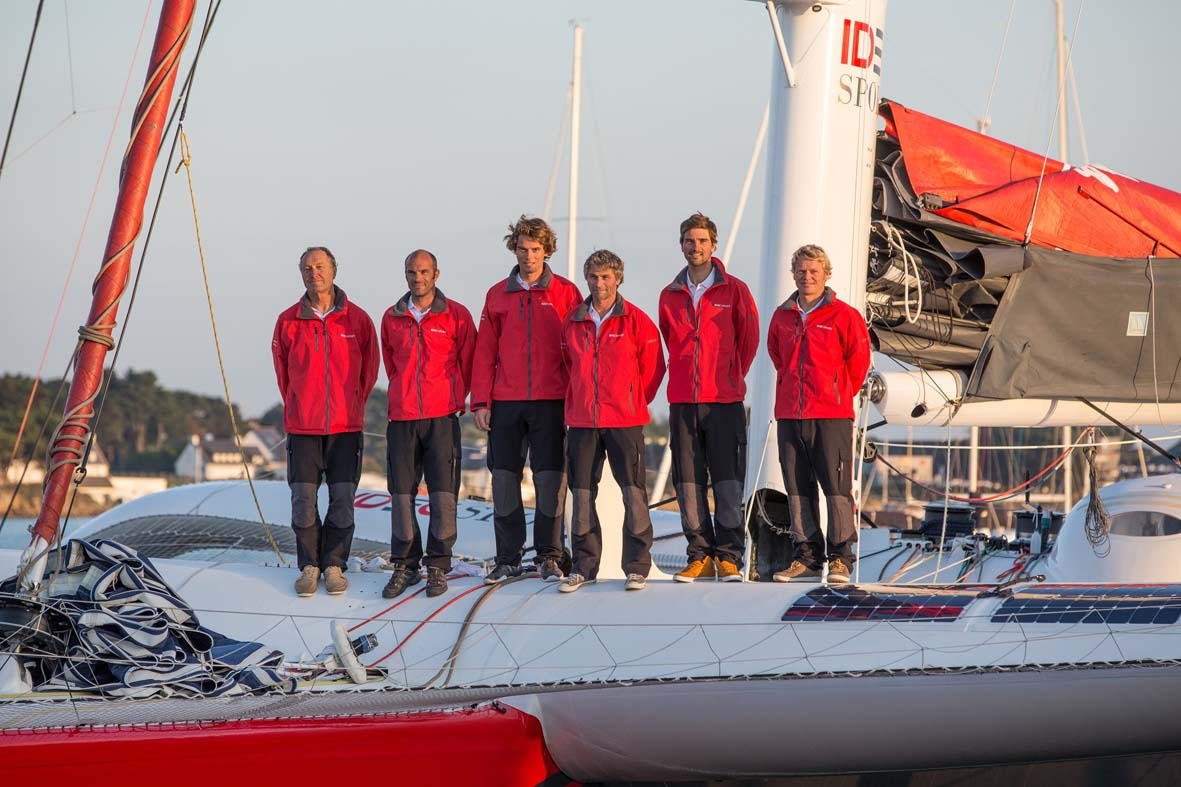 IDEC Sport Maxi Trimaran crew members, skipper Francis Joyon, prior to their circumnavigation record attempt, in La Trinite sur Mer, France, on october 13, 2015 - Photo Jean Marie Liot / DPPI / IDEC