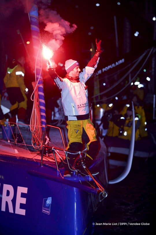 Finish arrival of Armel Le Cleac'h (FRA), skipper Banque Populaire VIII, winner of the sailing circumnavigation solo race Vendee Globe, in 74d 3h 35min 46sec, with flares in the channel of Les Sables d'Olonne, France, on January 19th, 2017 - Photo Jean Marie Liot / DPPI / Vendee Globe Arrivée de Armel Le Cleac'h (FRA), skipper Banque Populaire VIII, vainqueur du Vendee Globe en 74j 3h 35min 46sec, aux Sables d'Olonne, France, le 19 Janvier 2017 - Photo Jean Marie Liot / DPPI / Vendee Globe