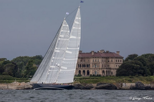 Class C Winner - Meteor at the Breakers ( Photo © George Bekris )
